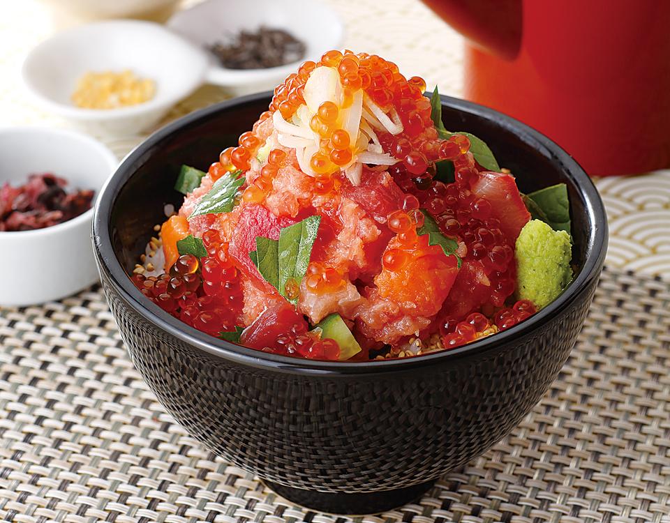 特選海鮮贅沢丼